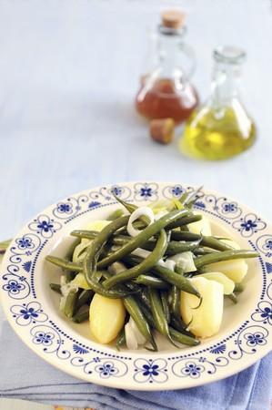 sautee: Fagiolini con patate e cipollotti saltati