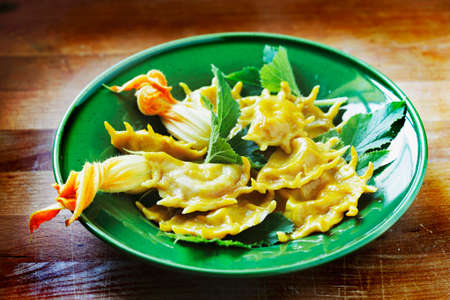 courgette: Ravioli filled with courgette and courgette flowers