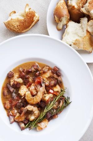 pancetta cubetti: Gamberetti e Pancetta avviamento con Torn Crusty Pane bianco