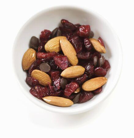 vaccinium macrocarpon: Almond, Craisin and Chocolate Chip Trail Mix