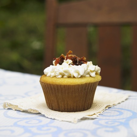 pancetta cubetti: Vanilla Cupcake with Maple Frosting and Bacon Pieces