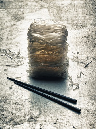 aaa: Rice noodles and chopsticks (Asia) LANG_EVOIMAGES