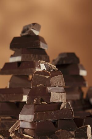 chocolate peak: Stacks of chocolate LANG_EVOIMAGES