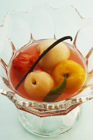 sauternes: Fruit pickled in sauternes LANG_EVOIMAGES