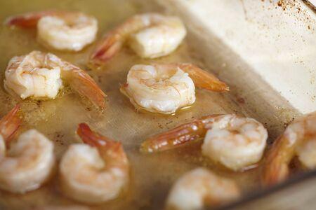 sautee: Gamberi saltati in burro di aglio salsa