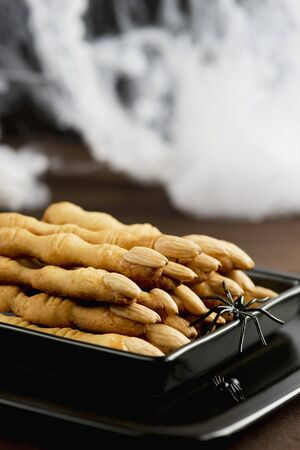 gruesome: Gruesome almond fingers for Halloween LANG_EVOIMAGES