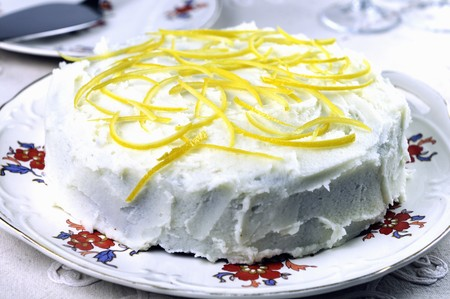 glazes: Honey cake with lemon glaze