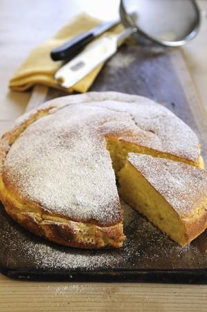 mascarpone: Lemon and mascarpone cake