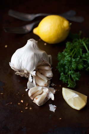 petroselinum sativum: Fresh Garlic, Lemon and Parsley