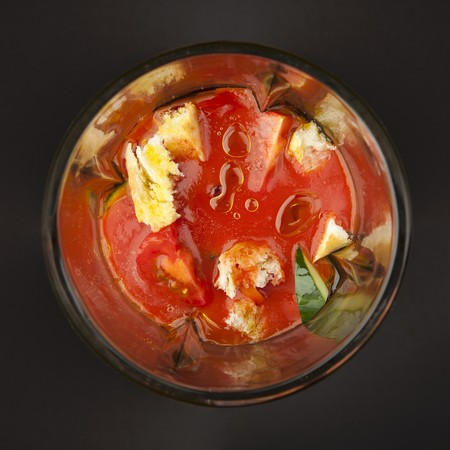 liquidiser: Mixed vegetables, tomato sauce and diced bread (for gazpacho) in a blender