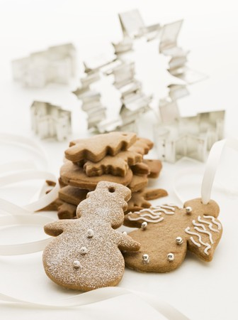 christmassy: Gingerbread figures and cutters (Christmassy)