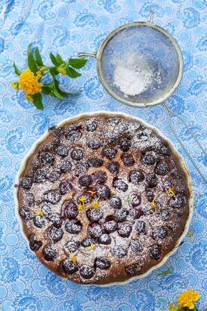 sucre glace: Cherry cake avec du sucre glace