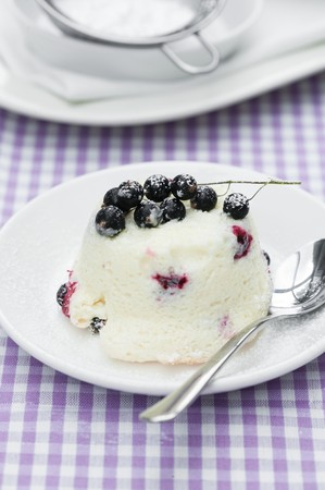 turned out: Quark soufflé with blackcurrants