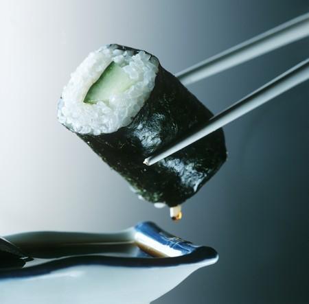 maki sushi: Concombre maki sushi LANG_EVOIMAGES