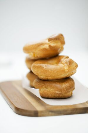 puffs: Stacked cream puffs LANG_EVOIMAGES