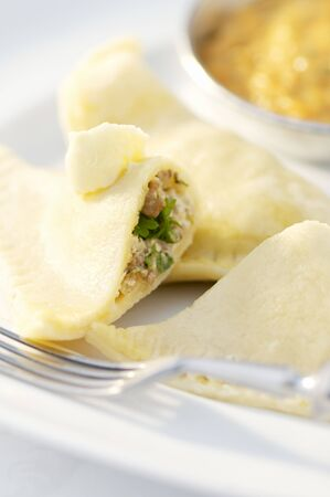 rumanian: Romanian ravioli filled with meat LANG_EVOIMAGES