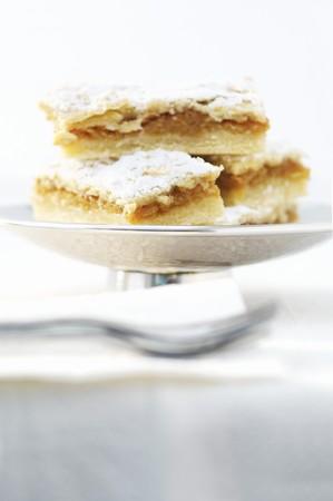 rumanian: Romanian apple cake