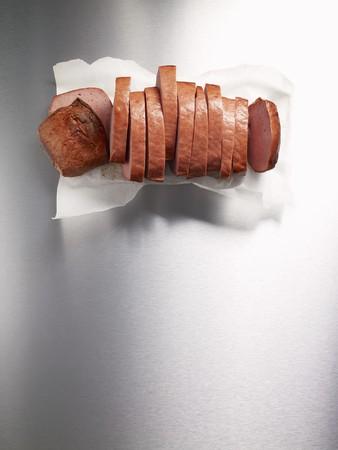 pastel de carne: Leberkse (carne y pastel de carne de cerdo) cortado en rodajas (vista desde arriba) LANG_EVOIMAGES