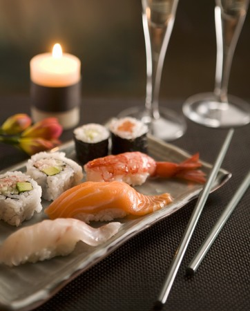 candlelit: Sushi by candlelight with champagne LANG_EVOIMAGES