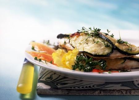sea bream: Orata in castello (sea bream with yogurt courgettes and a white wine sauce) LANG_EVOIMAGES