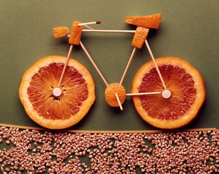 An orange bicycle LANG_EVOIMAGES