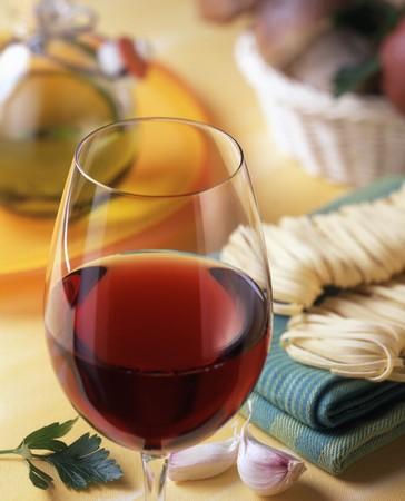 petroselinum sativum: Glass of red wine