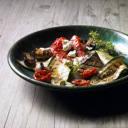barbecues: Anti-pasti platter with grilled vegetables and feta cheese