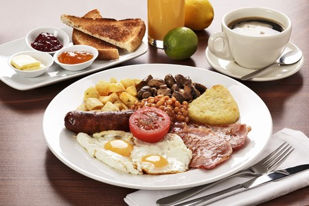 uk cuisine: English breakfast and coffee