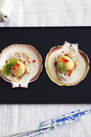 coquille: Steamed scallops, Asian style