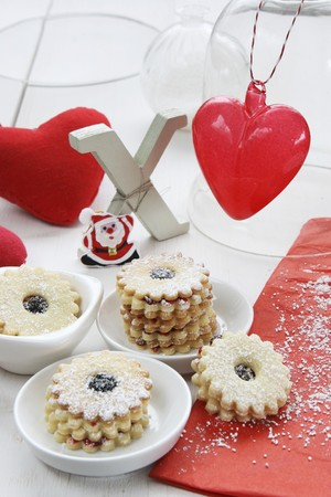 dodgers: Jam-filled ring biscuits, Xmas, a fabric heart, a glass heart and Father Christmas