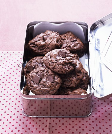 outrageous: Outrageous chocolate cookies