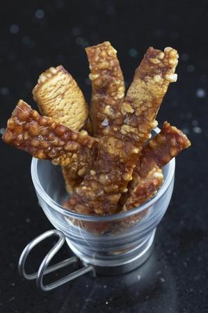 crackling: Crispy pork crackling as a snack LANG_EVOIMAGES