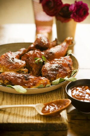 qs: Roasted Chicken with Spicy Barbecue Sauce LANG_EVOIMAGES