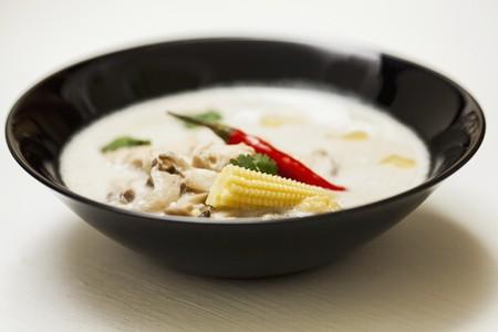 ka: Tom ka gai (Thai chicken and coconut soup) LANG_EVOIMAGES