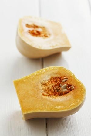 butternut: Butternut squash, halved LANG_EVOIMAGES