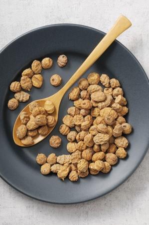 earth nut: Tigernuts