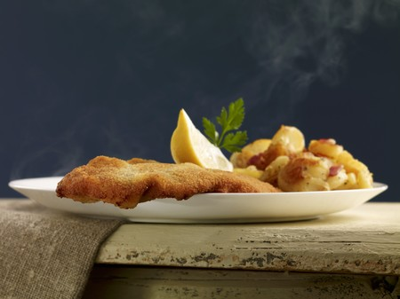 viennese: Viennese escalope with fried potatoes