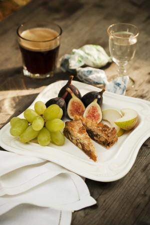 dessert plate: Piatto Dessert italiano con Espresso e Sambuca LANG_EVOIMAGES