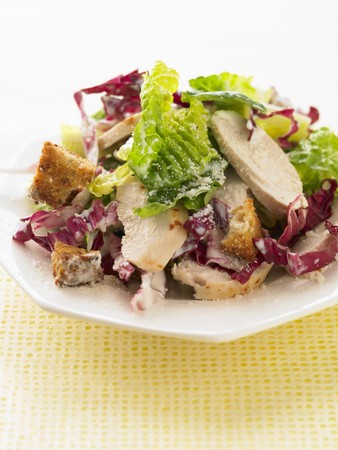 caesar salad: Caesar salad with chicken LANG_EVOIMAGES