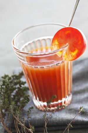 jugo de tomate: Jugo de tomate hecha en casa