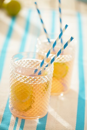 soda pops: Carbonated grapefruit drink with lime