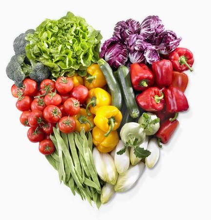 obst und gem�se: Ein Herz aus Gem�se und Salat gemacht LANG_EVOIMAGES