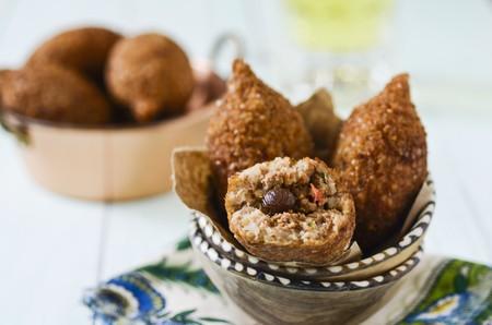 coatings: Fried stuffed dumplings (India)