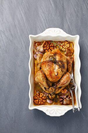 pollo arrosto: Pollo arrosto con aglio LANG_EVOIMAGES
