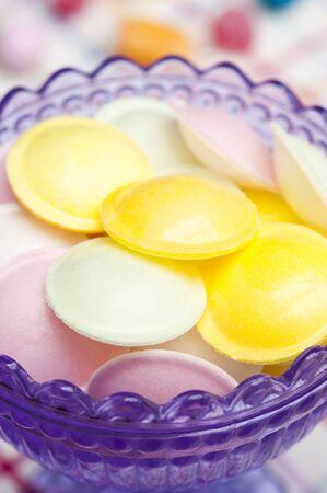 disco volante: Volare piattino caramelle in un piatto di vetro