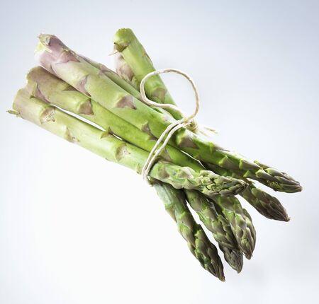 bunched: A bundle of fresh green asparagus LANG_EVOIMAGES
