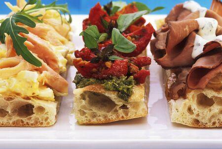 savoury: Ломтики соленых лепешки с разнообразными начинками