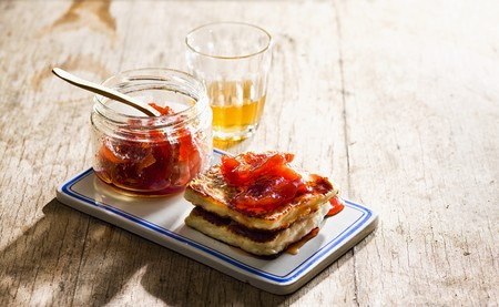 haloumi: Halloumi with quince jelly LANG_EVOIMAGES