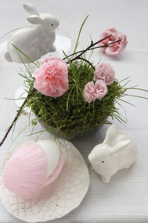 gillyflower: An idea for an Easter decoration: a porcelain hare, and paper pinks in a nest made of moss