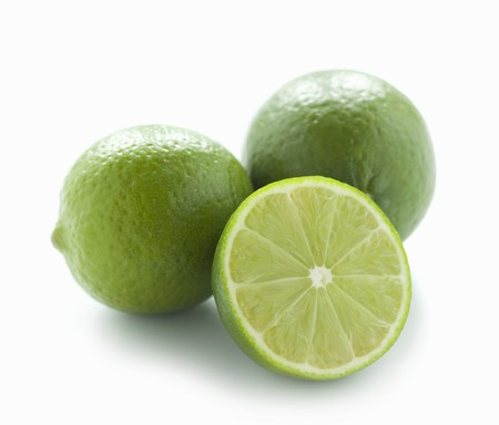 two and a half: Two whole limes and half a lime LANG_EVOIMAGES